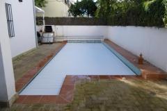 cubierta-de-lamas-en-superficie-para-piscina-02