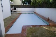 cubierta-de-lamas-en-superficie-para-piscina-03