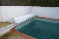 cubierta-de-lamas-en-superficie-para-piscina-04